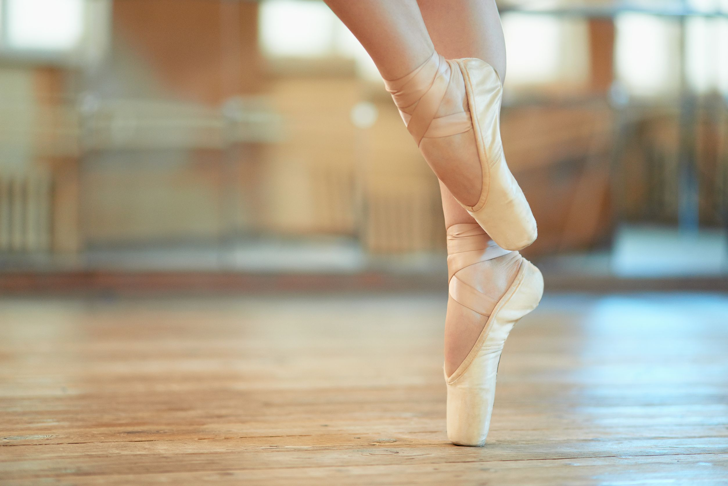 37036734 – beautiful legs of a dancer in pointe